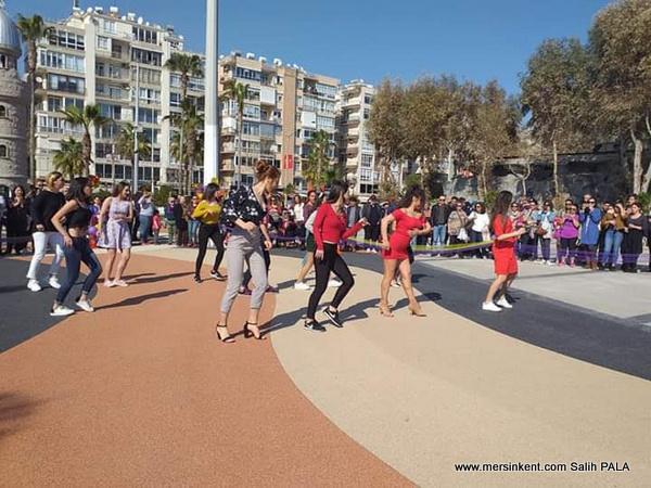 Kadınlar Sokakta Dans Var, Eşitlik İçin Dans Et