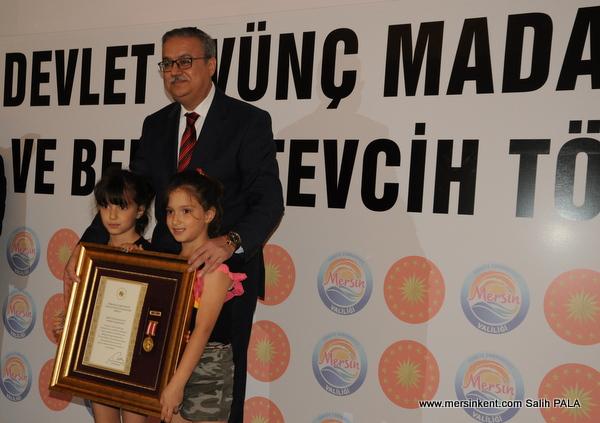 Mersin'de Devlet Övünç Madalyası Hak Sahiplerine Verildi