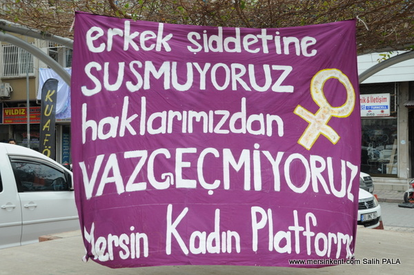 Mersin'de Feminist Gece Yürüyüşü