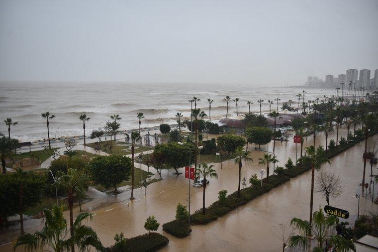 Mersin'de Hortum  Fırtına ve Sağanak Yağış Uyarısı