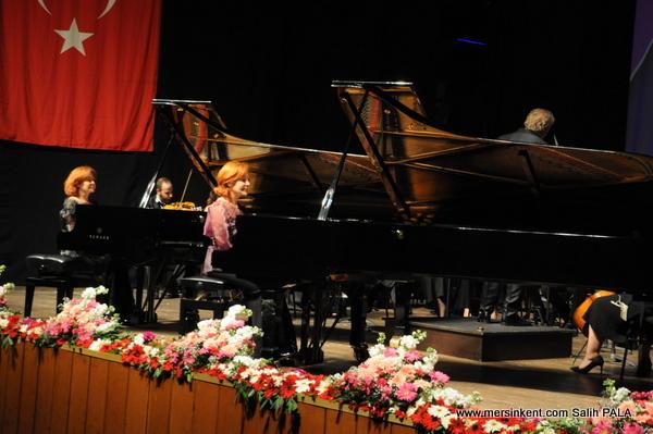 Mersin'in Festivali Perdelerini Dünya Yıldızlarıyla Açtı