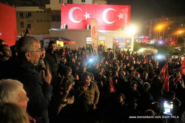 Mezitli'de Sabaha Kadar Seçim Zaferi Kutlandı