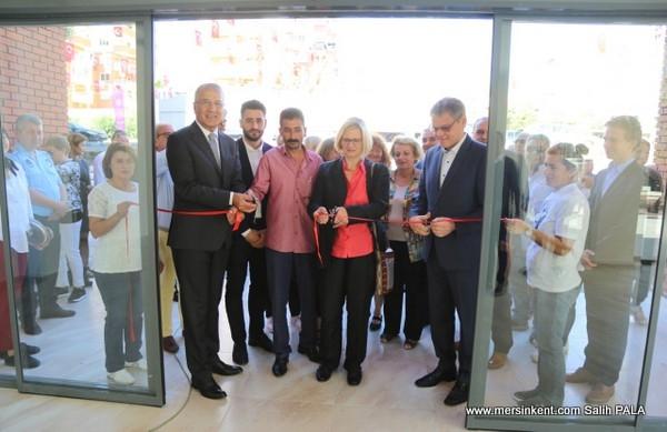 Mezitli'ye 2. Aktif Yaş Alma Merkezi Açıldı