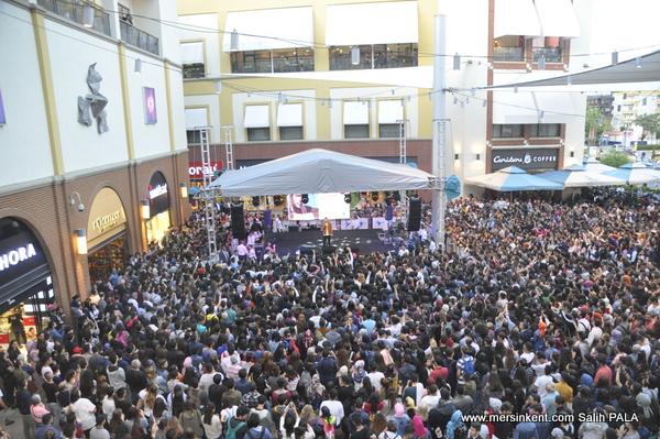 Oğuzhan Koç'tan Forum Mersin'de Süper Konser