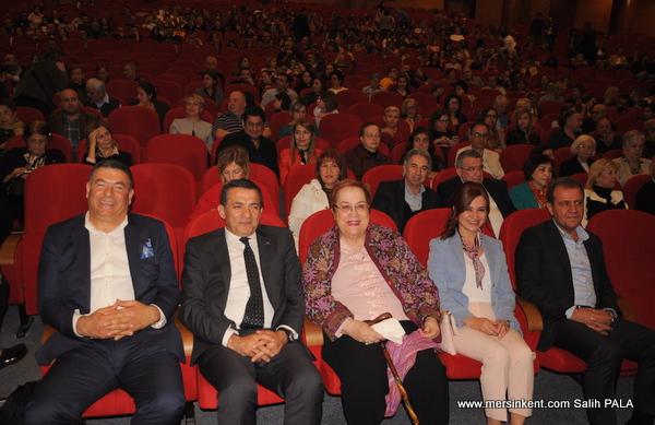 Ahmet Baran&Hanine Mersin'i Büyüledi