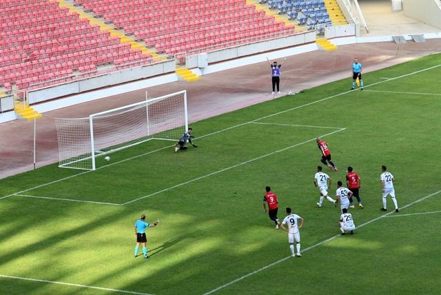 İçel İdmanyurdu, Ağrı 1970 Spor'u  3-0 Yendi