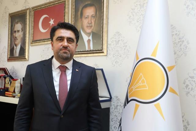 AK Parti İl Başkanı Ercik, 24 Kasım Öğretmenler Gününü Kutladı