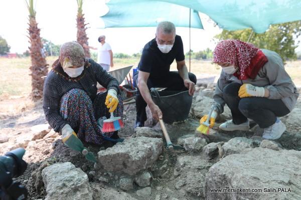 ARATOS Mezarı Kazı Çalışmaları Sürüyor