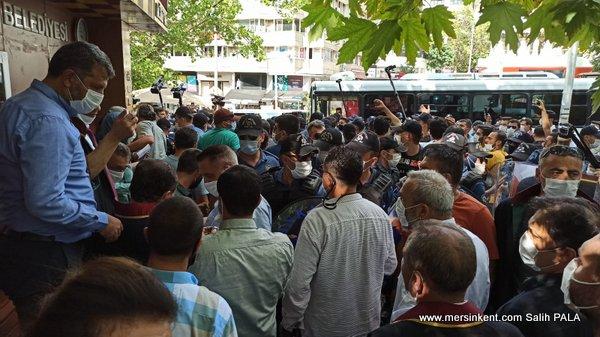 BARO BAŞKANLARININ SAVUNMA NÖBETİNE POLİS MÜDAHALESİ