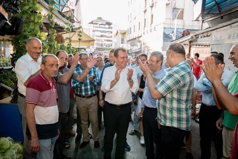 Başkan Seçer Silifke ve İstiklal Caddesi'nde Esnafları Gezdi