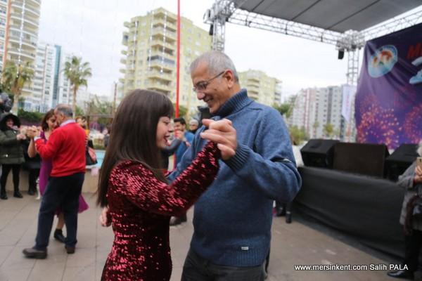 Başkan Tarhan'dan Yeni Yıl Tangosu