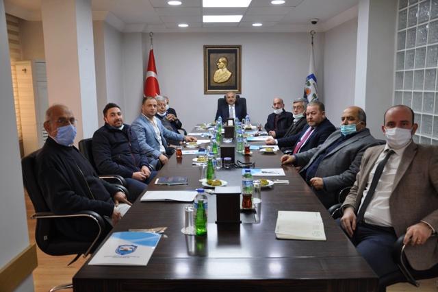 DİNÇER, SANAYİ SİTESİ İÇİN TOROSLAR'I GÖSTERDİ