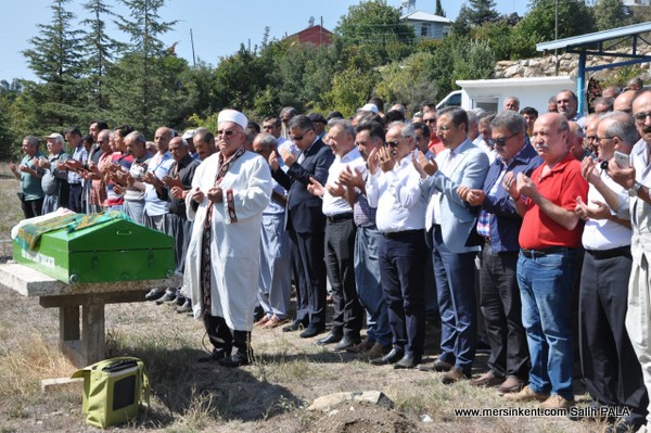 ESOB Başkanı Dinçer, Annesini Son Yolculuğuna Uğurladı