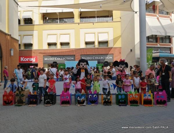 """Forum Mersin'de Çocuklarla """"Hayvanları Koruma Günü"""" Etkinliği"""