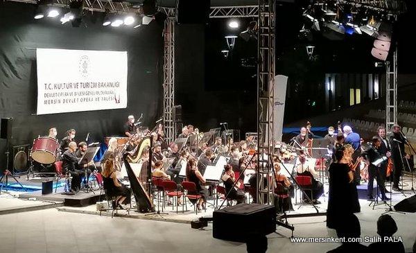Gala Gecesi Konseri Büyüledi