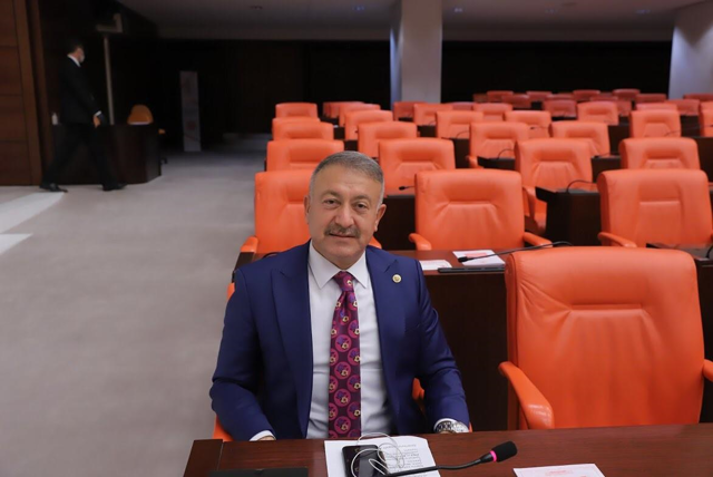 Hacı Özkan, 23 Nisan Ulusal Egemenlik ve Çocuk Bayramı'nı kutladı