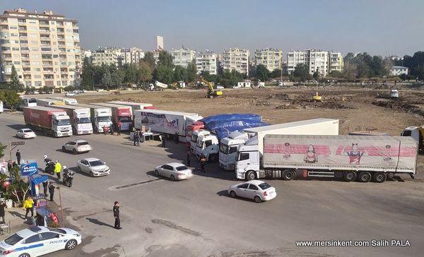 İDLİB'E MERSİN'DEN 15 TIR YARDIM