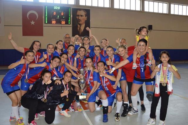 Mersin BŞBL GSK Kadın Hentbol Takımı Namağlup Şampiyon