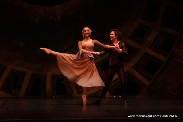 Mersin'de Amadeus Balesi Sahneleniyor