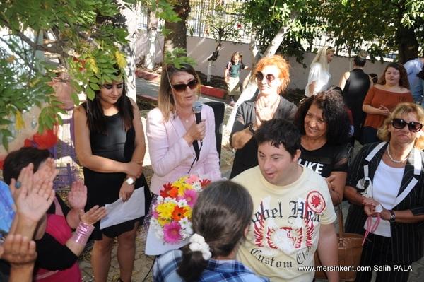 Mersin'de Engelli Gençler Şiş Örücülü Projesini Başarıyla Tamamladı