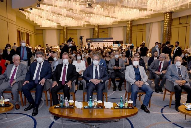 Mersin'de İş ve Ekonomi Ödülleri Sahiplerini Buldu