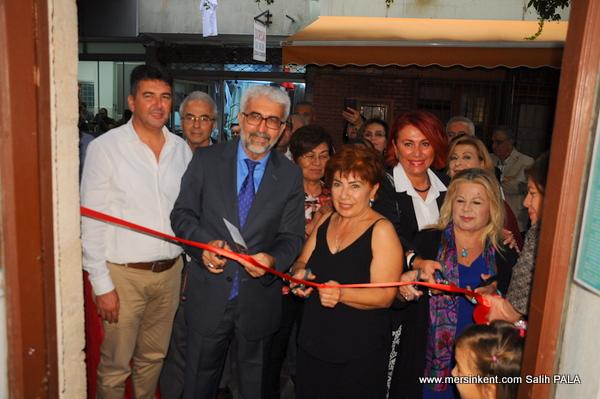Mersin'de Şahmeran ve Kadın Sergisi Açıldı