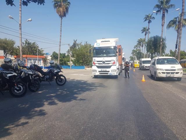 Mersin'de Yük Taşımacılığı Denetimlerinde 859 Araç Trafikten Men Edildi