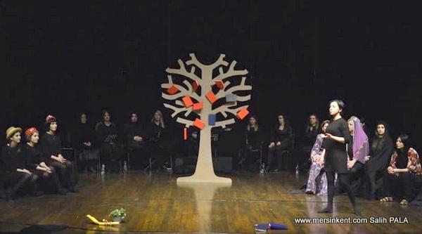 Mersin'in Kadınları Sahnelendi