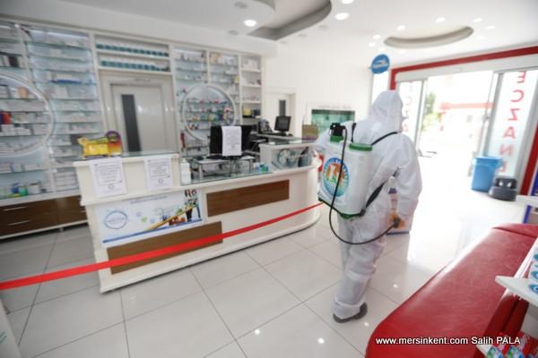 Mezitli Belediyesi Sağlık Kurumlarını Dezenfekte Ediyor