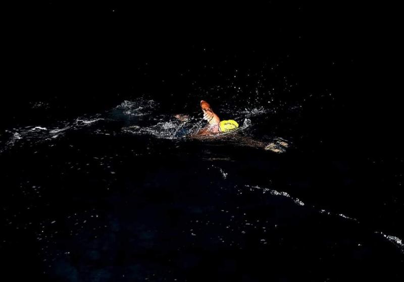Milli Yüzücü Emre Seven KKTC'ye Yüzüyor