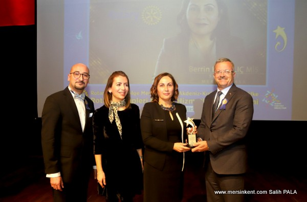 MTOSB'nin Kadın Sanayicisine 'Rotary Meslek Hizmet Ödülü' Verildi