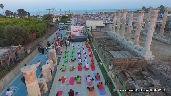 Soli  Pompeiopolis Sütunları Gölgesinde Yoga
