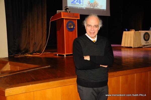 ÜNLÜ ONKOLOG DR. YAVUZ DİZDAR TOROS ÜNİVERSİTESİ'NDE KONUŞTU