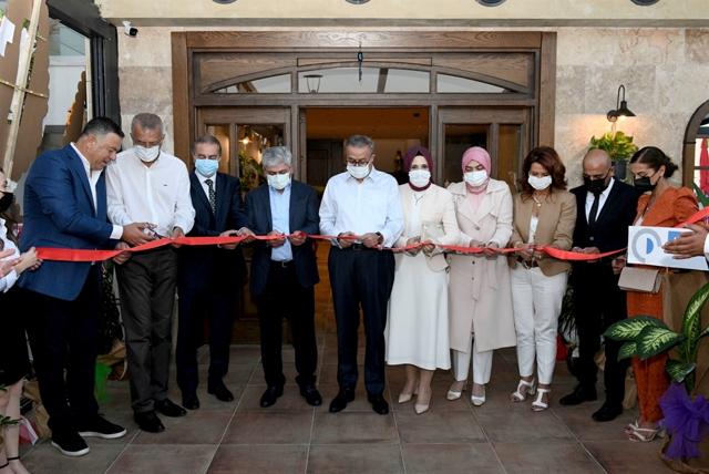 Vali Su ile Vali Doğan Birlikte  Konak Restaurant'ın Açılışını Gerçekleştirdi