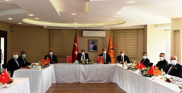Vali Su, MTOSB Toplantısına Başkanlık Etti