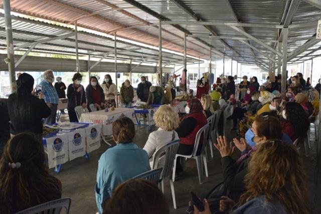 Yenişehir'de Defne Yaprağı Kadınlara Ek Gelir Kapısı Oluyor