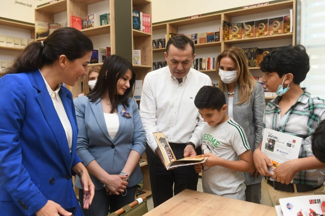 Yenişehir'de Ülkü Ongun Kütüphanesi Nazlıkaya'nın Katılımıyla Açıldı