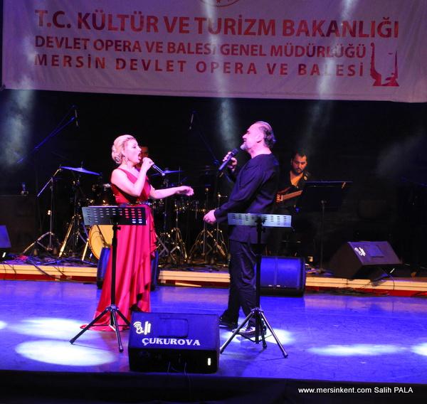 Hakan Aysev ve Funda Uyanık'tan Akdeniz Esintileri Büyüledi