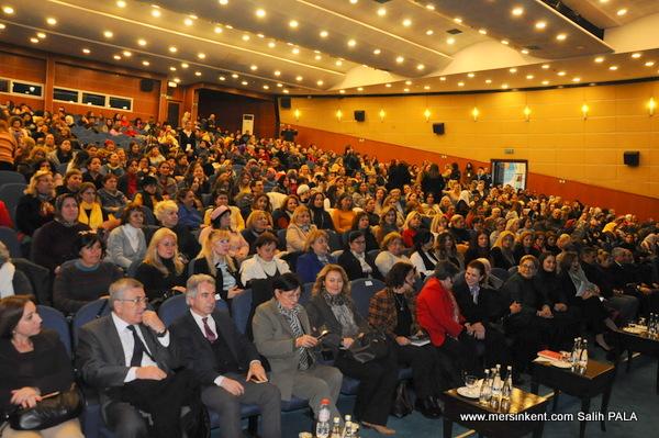 Mersin'de Yasalar Uygulansın,Kadınlar Yaşasın Paneli Düzenlendi
