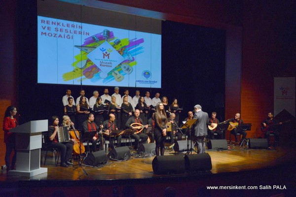 Yenişehir Belediyesi Mozaik Korosu Büyüledi